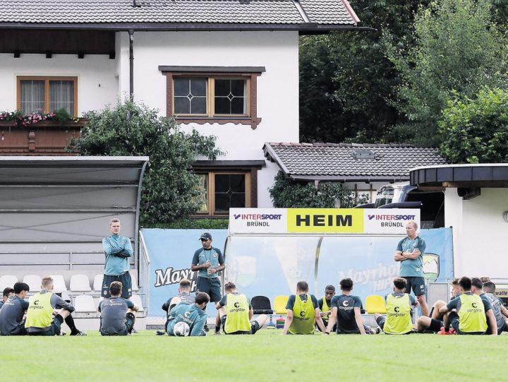 """Luhukay will neue Spieler : """"Gefühlt ist der Kader erst bei 60 Prozent"""""""