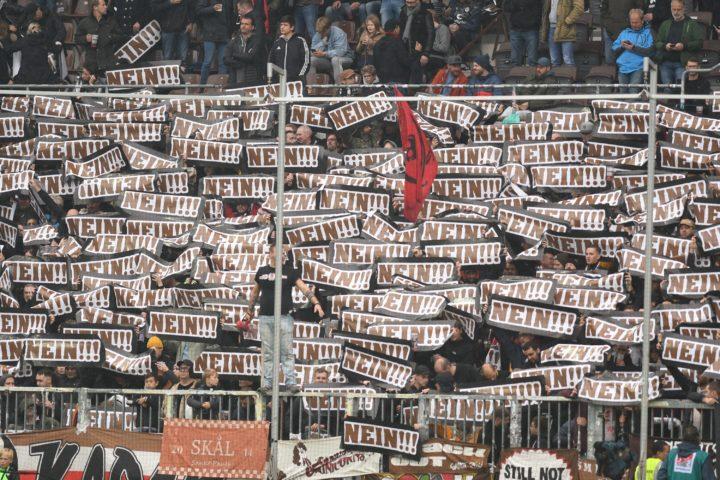 St. Pauli-Fans protestieren gegen Hamburger Polizeigesetz