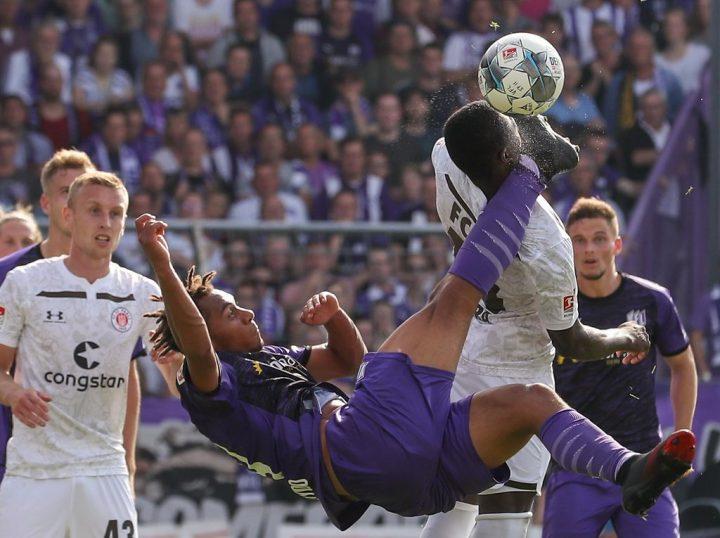 """Sportchef Bornemann kritisiert Schiri: """"War brutal"""""""