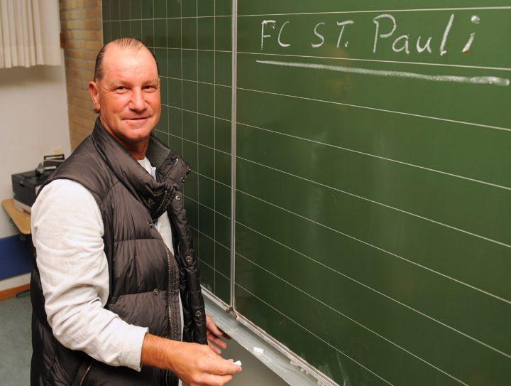 Ex-Trainer Michael Lorkowski kritisiert St. Pauli-Fans