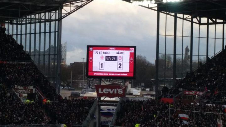 Verwirrung am Millerntor: Kuriose Panne beim St. Pauli-Sieg