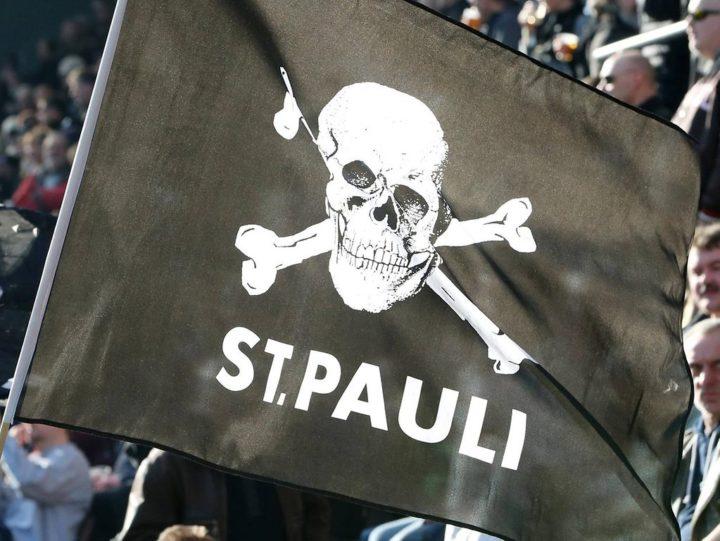 """Einstufung als """"linksextrem"""": Logo des FC St. Pauli auf britischer Anti-Terror-Liste"""