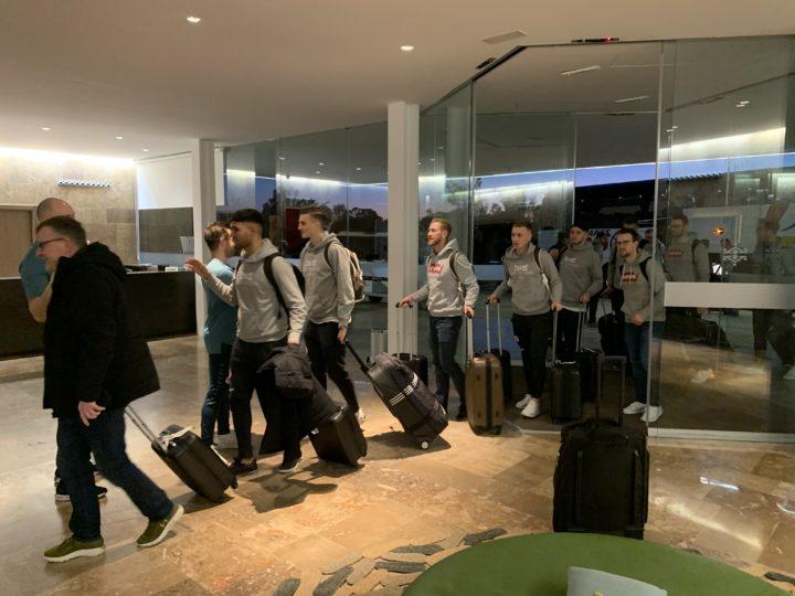 Mannschaft ist im Hotel angekommen