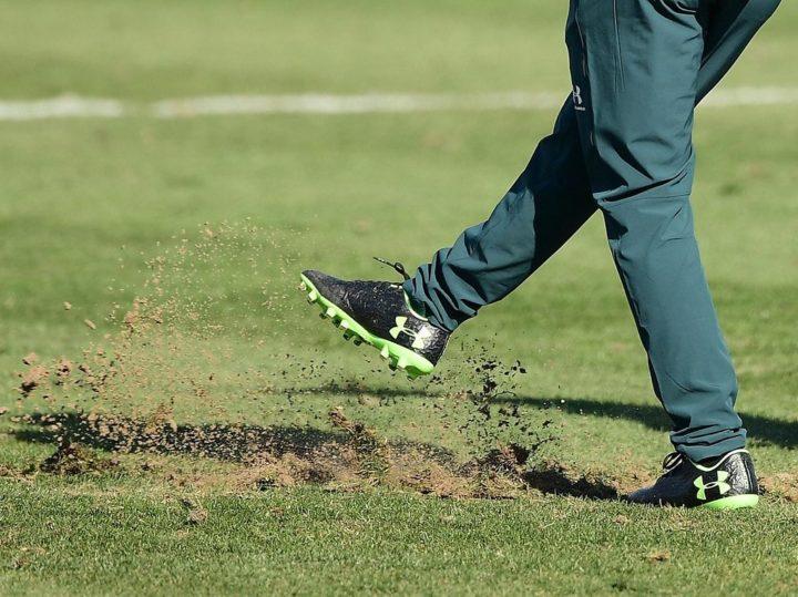 Grün total kaputt! Rasen-Ärger für St. Pauli im Trainingslager