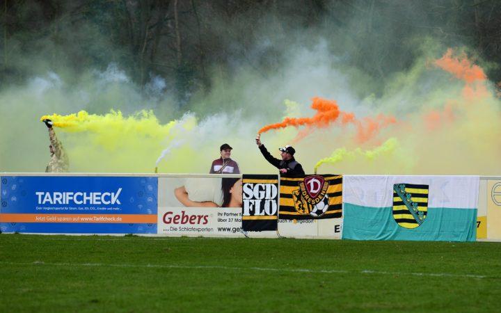 Pyrotechnik! Dresden-Fans sorgen auch in Dassendorf für Aufsehen