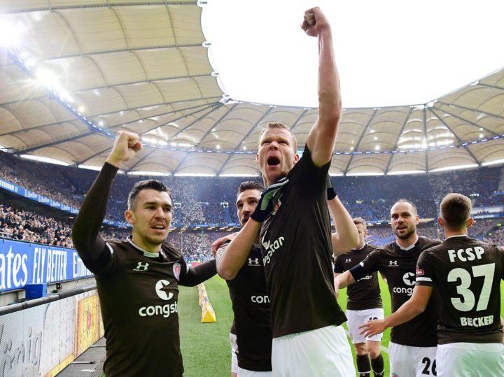 Nach dem Derby-Sieg: St. Paulis Tor-Held Veerman darf nicht mit den Kollegen feiern