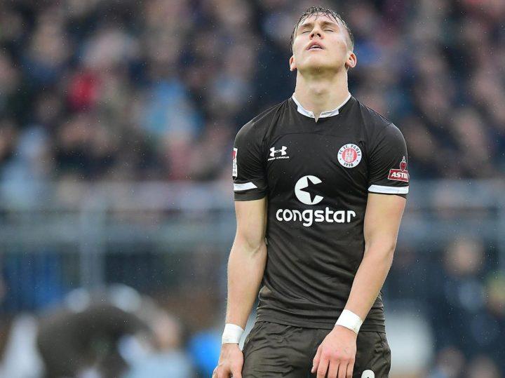 Abwehr-Umbau bei St. Pauli: Lässt Luhukay Kiel im Dunkeln tappen?