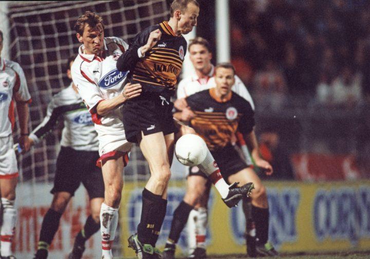 Heute vor 21 Jahren: Als St. Pauli Jack Daniel's trug und gegen Pelé spielte