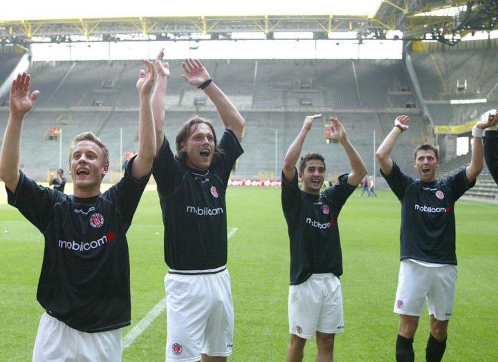 Sieg in Dortmund! Der FC St. Pauli feiert im Westfalenstadion