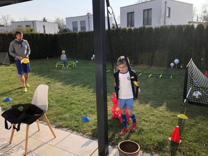 Ex-St. Pauli-Profi Gonther: Corona-Ersatztraining mit Tochter im Garten