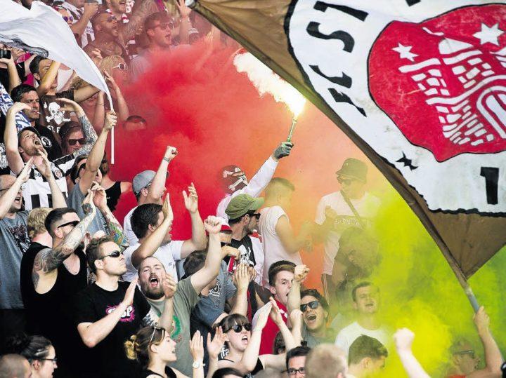 Wie Ultras des FC St. Pauli Gutes tun – und nicht darüber reden