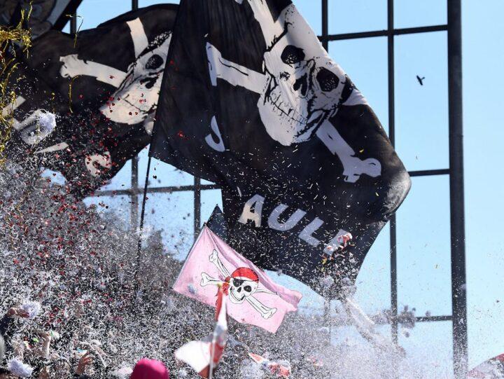 In der Corona-Krise: Der FC St. Pauli erhöht die Dauerkarten-Preise