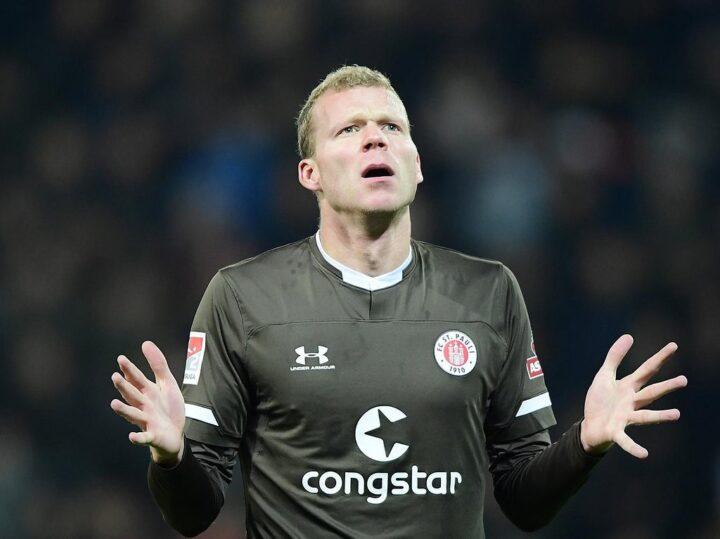 Ausrüster des FC St. Pauli: Under Armour macht 490 Millionen Dollar Verlust!