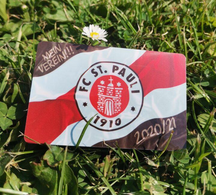 So sieht die neue Dauerkarte des FC St. Pauli aus