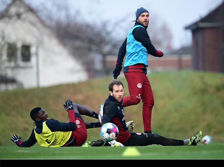 Ohne Trainer: So lief die Krisensitzung der St. Pauli-Profis