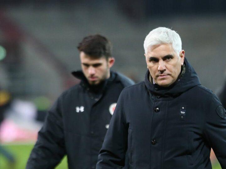 """""""Tief eingegraben im Keller"""": Bornemann äußert sich zur Zukunft von Trainer Schultz"""