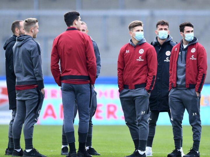 Der FC St. Pauli erfuhr in Würzburg erst zwei Stunden vor Anpfiff von Absage