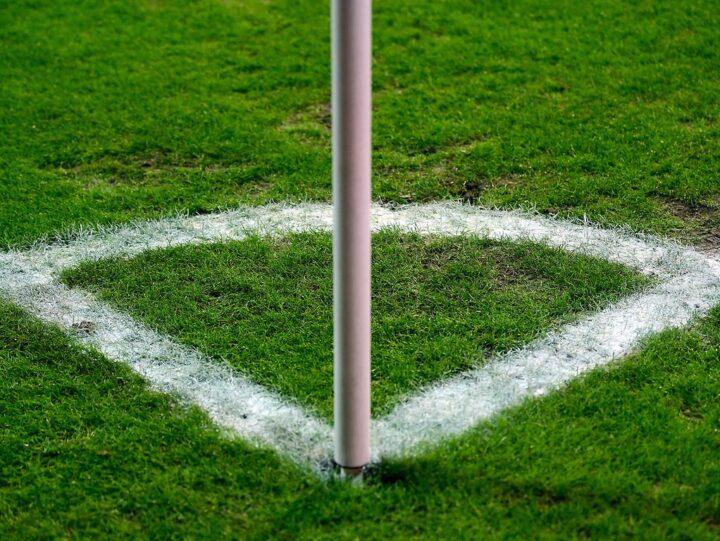 Leidet St. Paulis Offensivspiel am Freitag gegen Sandhausen unter dem Rasen?