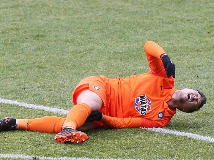Schock in der 2. Liga: Ex-St. Pauli-Kapitän verletzt sich schwer