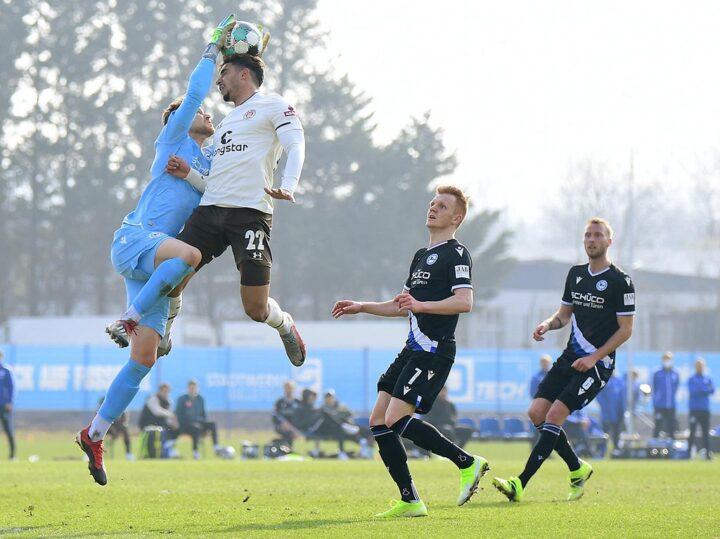 Daschner trifft im Test: St. Pauli mit Erstligist Bielefeld auf Augenhöhe