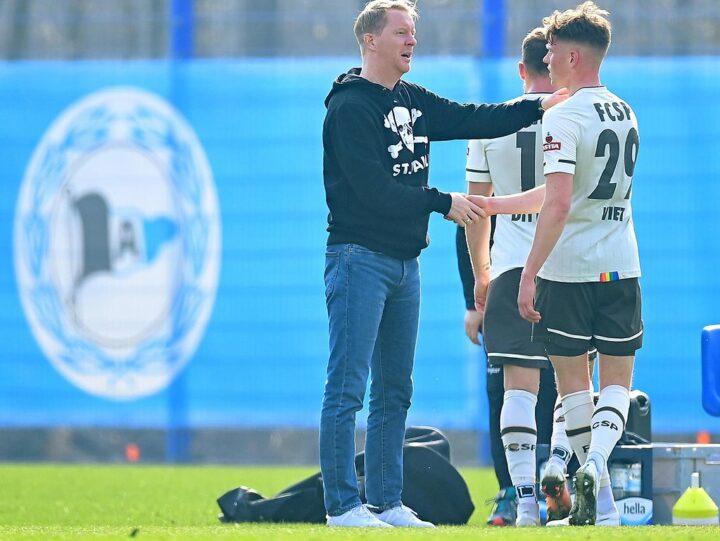 """Trainer Timo Schultz freut sich auf St. Paulis """"Kurzurlaub"""""""