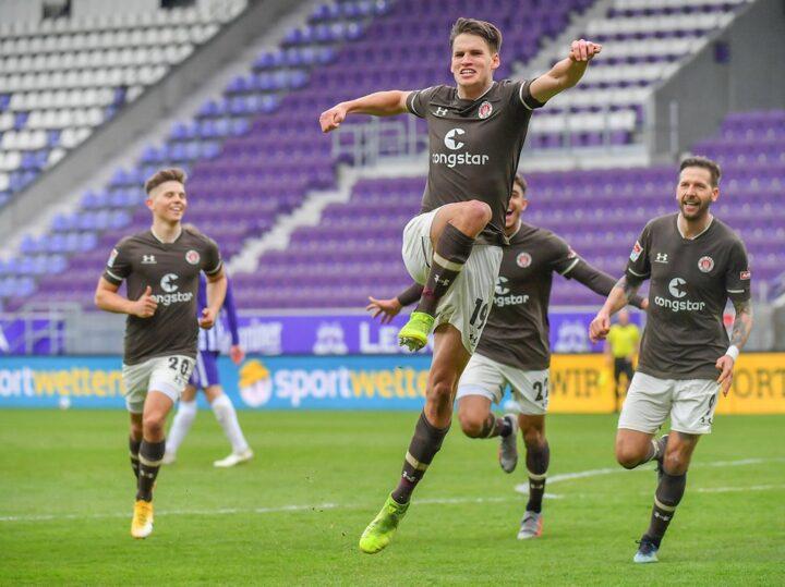 St. Pauli-Matchwinner Zander wurde von den Kollegen aufgezogen