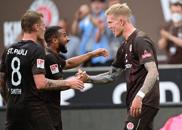 St. Pauli-Noten im Derby: Zwei Profis glänzen beim Kiezklub
