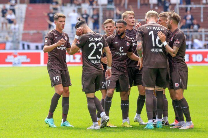 Liveticker: Holt sich St. Pauli in Aue direkt den zweiten Sieg?